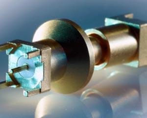 Conector con mecanismo de cierre tipo bayoneta