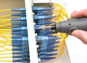 Inspección de paneles de conexiones