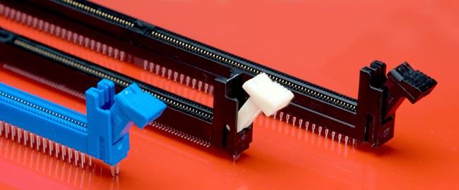 zócalos DDR4 DIMM