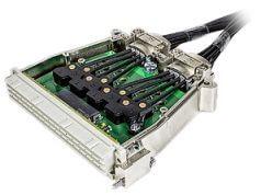 Conector con conversión electro-óptica