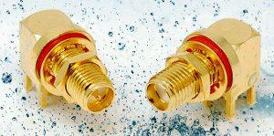 Conectores coaxiales en ángulo recto