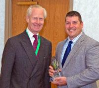 Anthony Bruggeman recibe un premio especial de Harwin