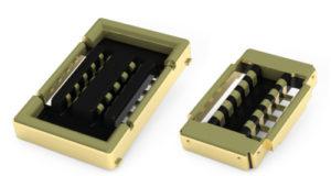 Conector de tarjeta a PCB para módulos de antenas