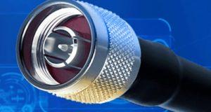 Ensamblajes de cable RF y accesorios con protección ante sobretensión